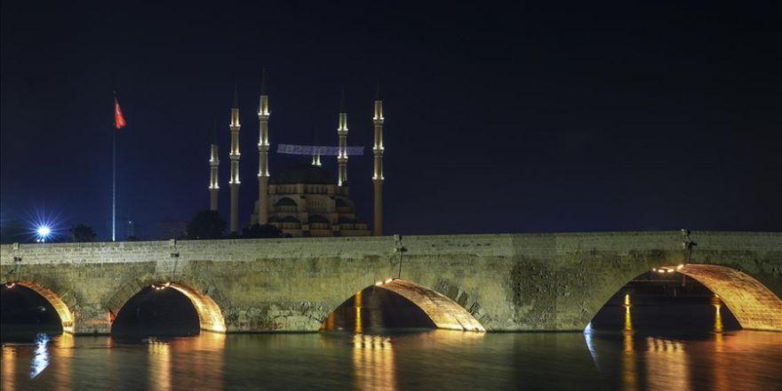 Gece ışıldayan Adana