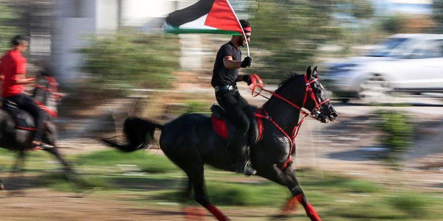 Gazze'de Mescid-i Aksa'ya destek için atlı yürüyüş yapıldı