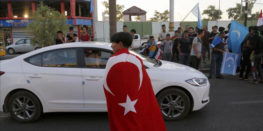 Kerkük'te insanlar sokaklarda kutlamalara devam ediyor
