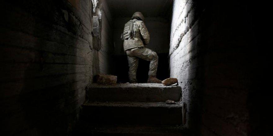 Teröristlerin 300 metrelik 'televizyonlu' tünelini AA görüntül