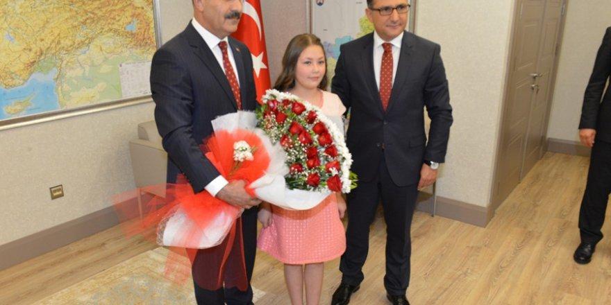 23 Nisan Ulusal Egemenlik Ve Çocuk Bayramı Töreni Adana'da Coşkuyla Kutl
