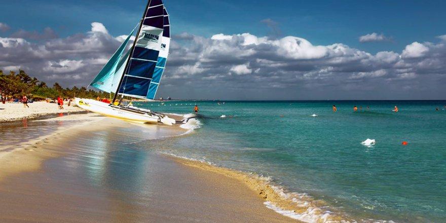 Varadero; Kubada havanaya 150km uzaklikta turistik bir merkez..