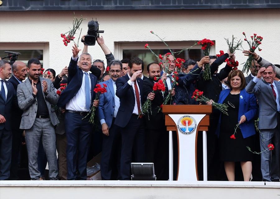 Adana Büyükşehir Belediye Başkanı seçilen Karalar mazbatasını aldı 1
