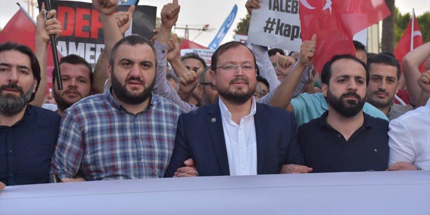 Anadolu ve Milli Gençlik Vakfı üyeleri, İncirlik Üssü önünde ABD'yi
