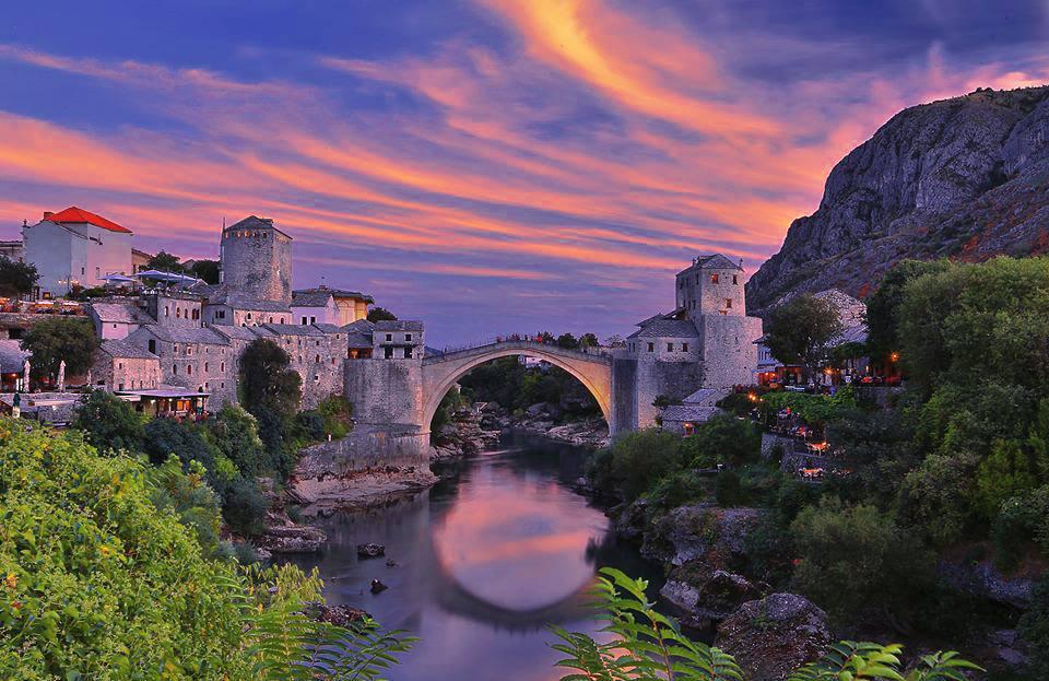 Bosna da MOSTAR a gittiğimizde bu kareleri çekmiştik.. 1