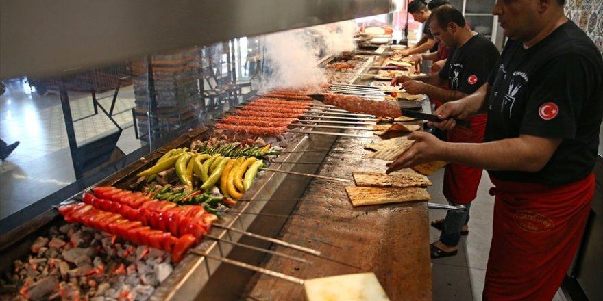 """Adana, """"222 metrelik şişte et pişirme"""" rekoruna hazırlanıyor"""
