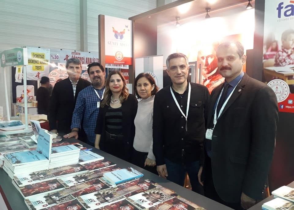 Onbinlerce Adanalı,Çukurova Kitap Fuarı'na akın etti.. 1