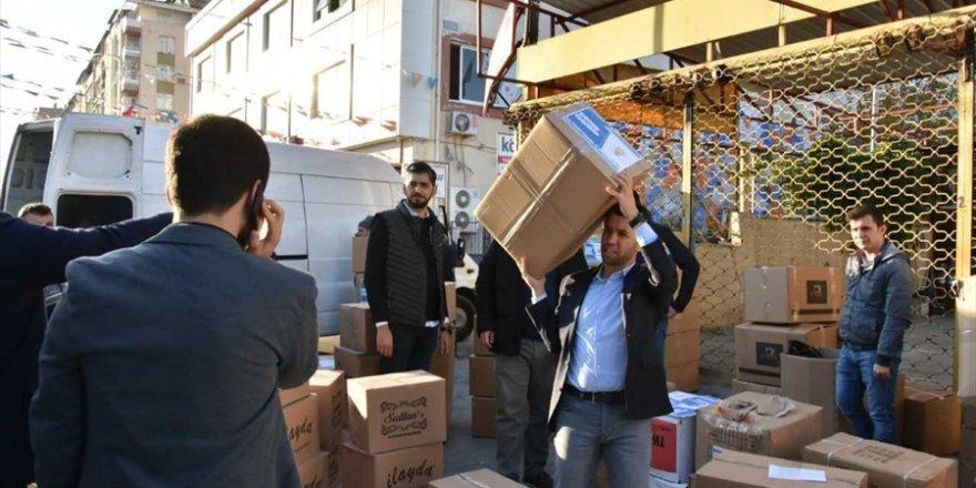 Hatay, Adana ve Mersin'den deprem bölgesine yardım malzemesi desteğ