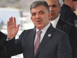 Başkan Alemdar Öztürk Vatandaşa Pilav Dağıttı