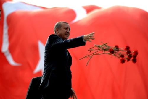 Başbakan Erdoğan, rekorlarla Köşk yolunda
