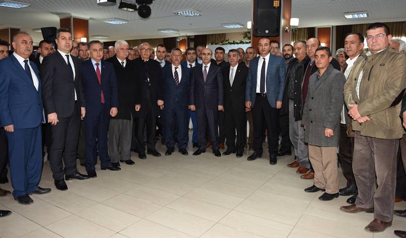 ValiDemirtaş, Ceyhan'da Muhtarlar Ve STK Temsilcileri İle Bir Araya Geldi