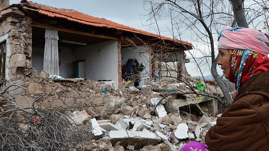 Türk Kızılayı Genel Başkanı Kınık: Çanakkale'deki depremlerde 298 ev zarar gördü
