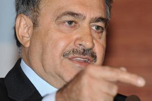 Bakan Eroğlu'nun 'su sıkıntısı' isyanı