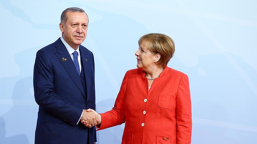 Cumhurbaşkanı Erdoğan ile Almanya Başbakanı Merkel telefonda görüştü