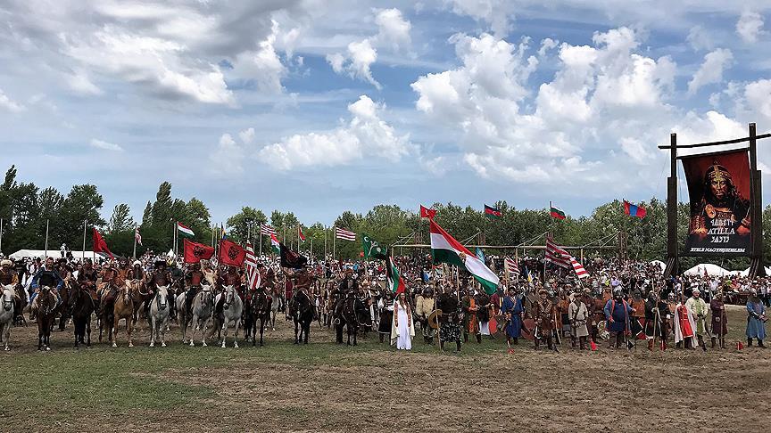 Macaristan'da 'Atalar Günü' etkinliği yapıldı