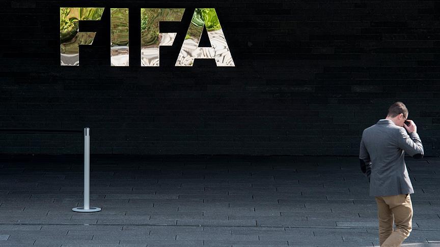 FIFA: Sezon sonu bitecek futbolcu sözleşmeleri ligler tamamlanana kadar geçerli sayılacak