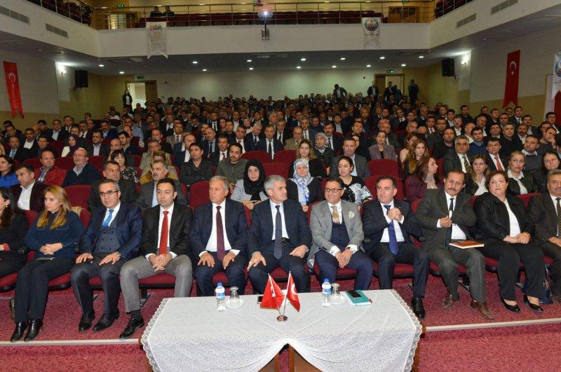 İl Milli Eğitim Müdürü Akpınar, Okul Müdürleri ile bir araya geldi.