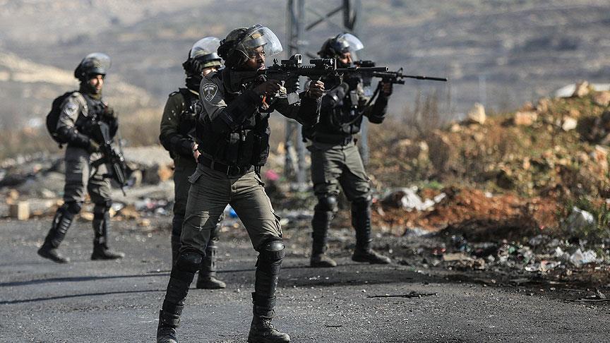 İsrail askerlerinden Batı Şeria'daki sözde barış planı protestolarına müdahale