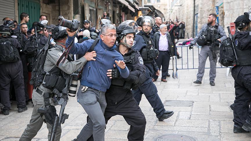 İsrail polisi Kudüs İşleri Bakanı Fadi El-Hedmi'yi gözaltına aldı