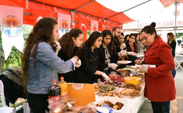 Öğrencilerden Mehmetçik Vakfı'na destek
