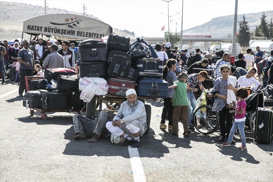 Suriyelilerin Türkiye'ye dönüşleri başladı