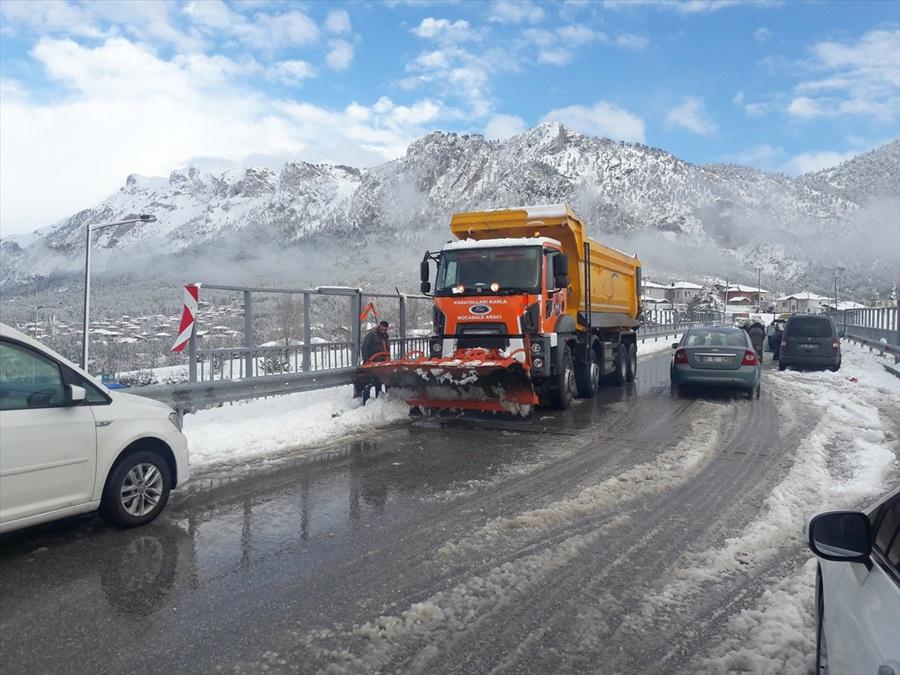 Eğitim ve ulaşıma kar engeli