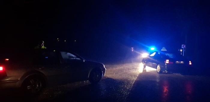 Sertavul Geçidi'ndekar yağışı ve tipi nedeniyle ulaşıma kapandı