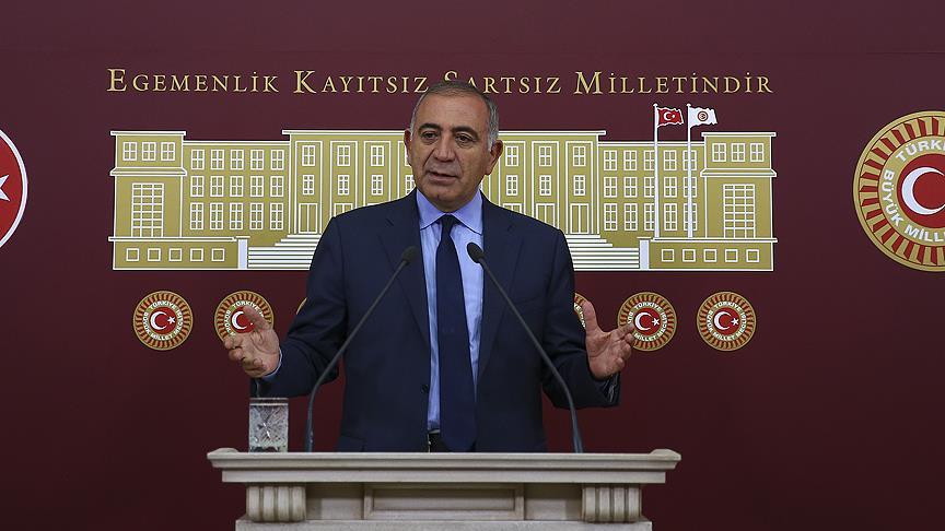 CHP'li Tekin'den partisine aday belirleme eleştirisi