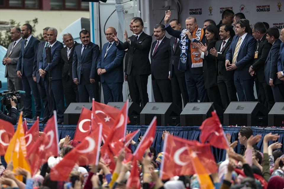 """Erdoğan: """"Ezana sahip çıkmayan bu ülkeye de sahip çıkmaz"""""""