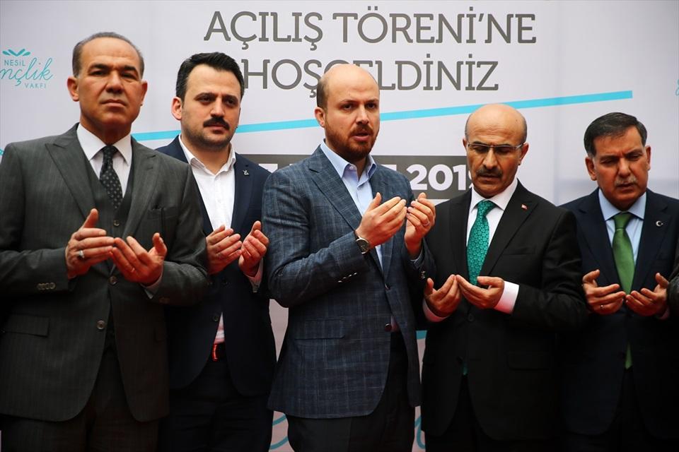 """""""Türkiye, kendi kararlarını veren bir ülke iddiasını ortaya koyuyor"""""""