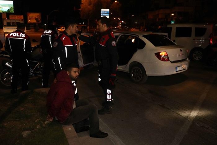 Adana'da polisten kaçan şüpheliler yakalandı