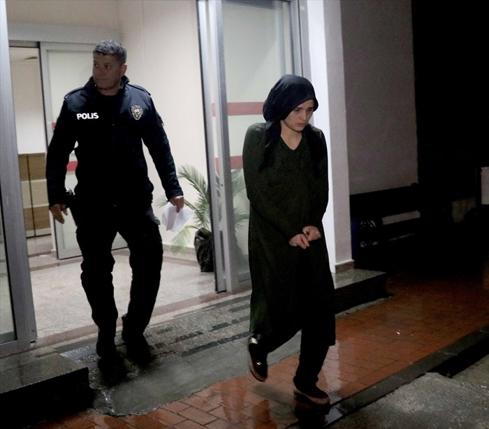Koca şiddetinden kapıyı kilitleyerek kurtuldu