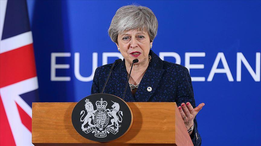 Theresa May 7 Haziran'da partisinin liderliğinden istifa edecek