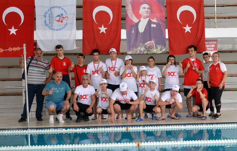 Gençlik Haftası Kapsamında Özel Sporcular Yüzme Yarışları Yapıldı