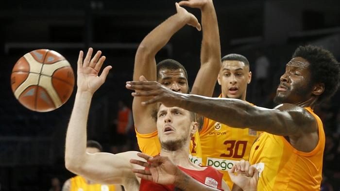 Galatasaray potada Fenerbahçe deplasmanında 9 yıl sonra kazandı