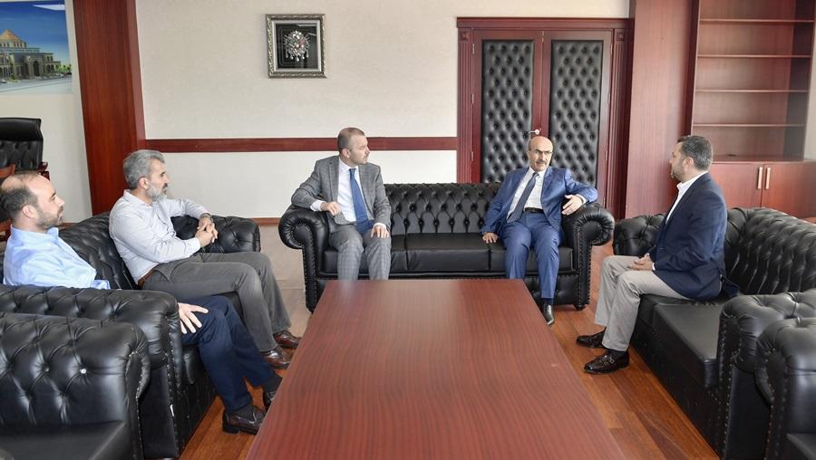 """Vali Demirtaş'ın Yüreğir Belediye Başkan Kocaispir'e """"Hayırlı Olsun"""" Ziyareti.."""