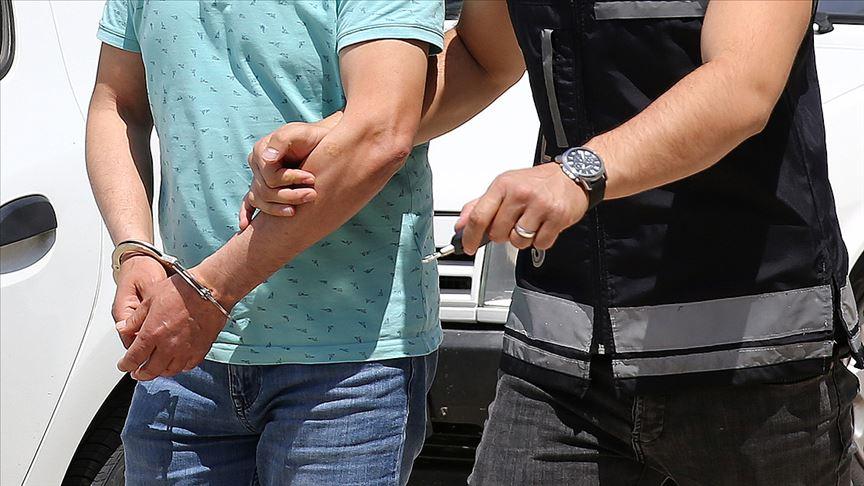 Adana'da tornavidalı gasp ve kapkaç şüphelisi iki kişi tutuklandı