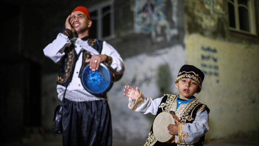 Gazze'nin minik ramazan davulcusu