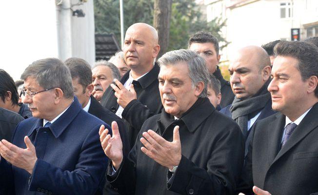 """Mehmet Yürekli: """"Gül: Davutoğlu ve Babaca'nın sükutu.."""""""