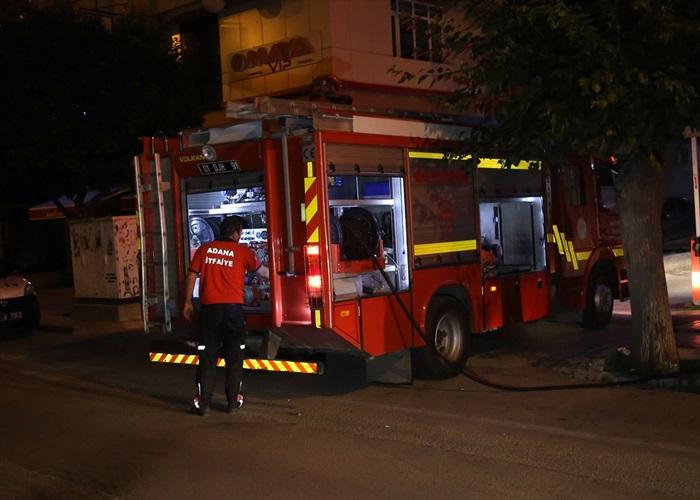 İtfaiye kapıyı kırınca evindeki yangını fark etti