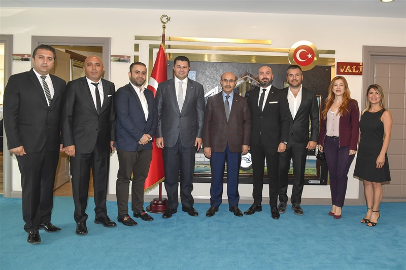 Adana Genç İş İnsanları Derneğinden Vali Demirtaş'a Ziyaret