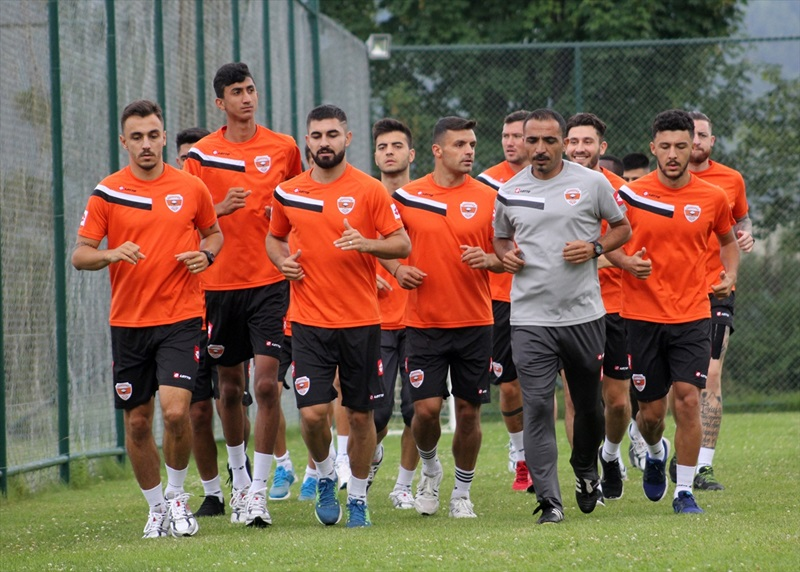 Adanaspor, Bolu'da kampa girdi