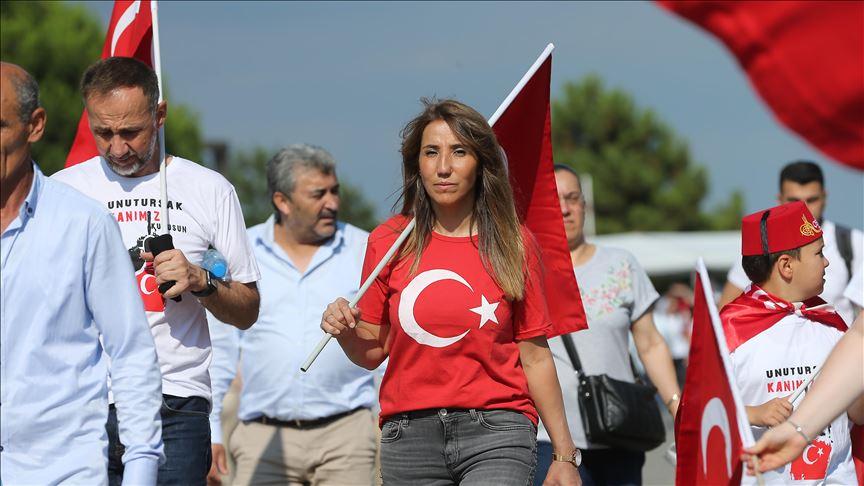 Vatandaşlar '15 Temmuz Demokrasi ve Milli Birlik Günü Buluşması' için Atatürk Havalimanı'na geliyor