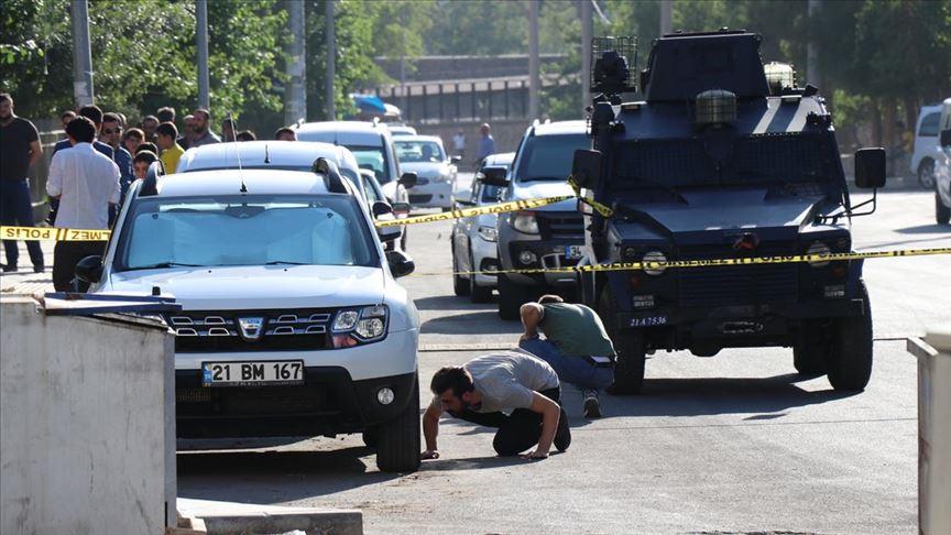 Diyarbakır'da polis merkezine terör saldırısı