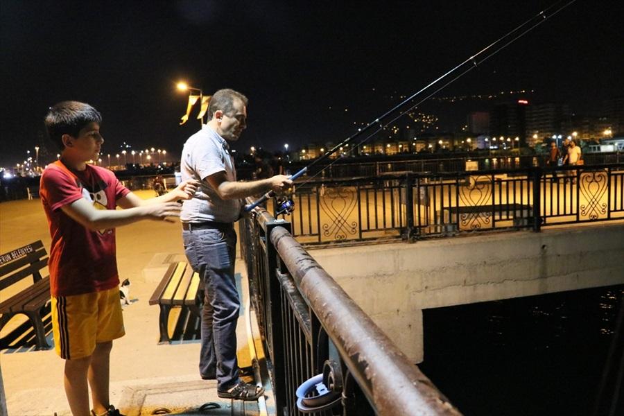 Balık üretim çiftliğinin ağlarında yırtık oluştu, 5 ton levrek denize karıştı