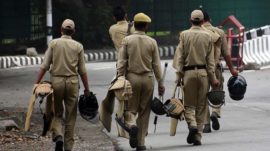 Hindistan Cammu Keşmir'e 125 bin kişilik güvenlik gücü konuşlandırdı