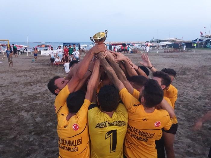 Plaj Futbol Ligi Karataş Etabı Şampiyonu Beyaz Yunus.