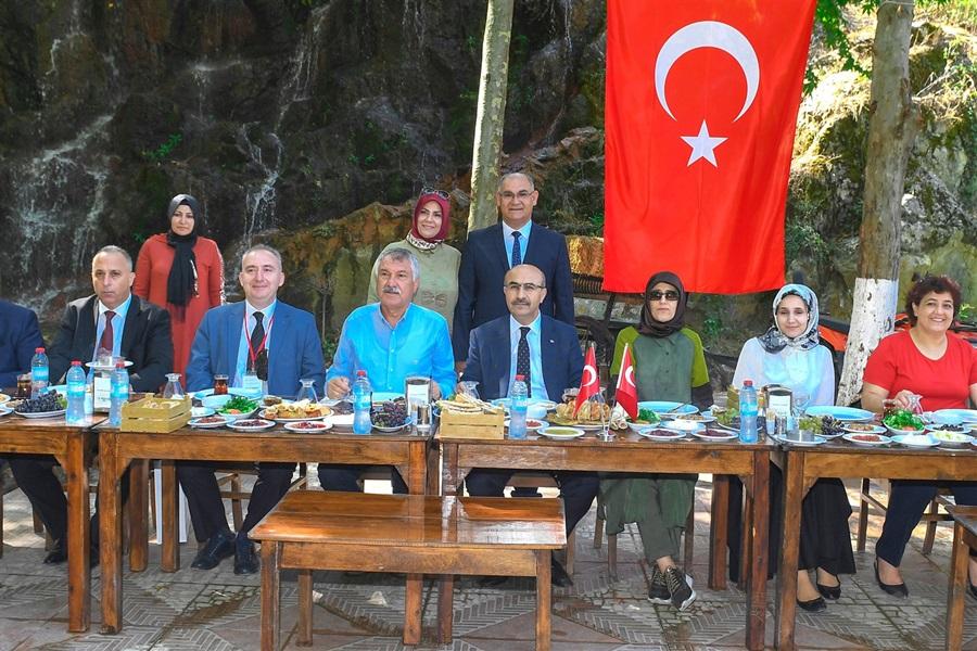 """Vali Demirtaş, """"Doğu Akdeniz Lezzet Turu"""" Etkinliğine Katıldı"""