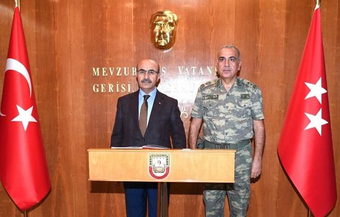 Vali Demirtaş'tan Tümgeneral Erhan Uzun'a İade-İ Ziyaret