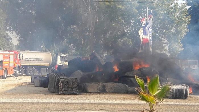 Adana'da, pamuk yüklü tırda yangın